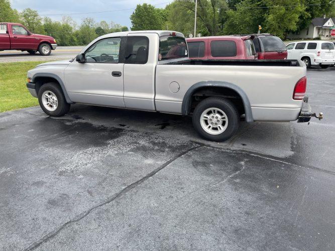 2000 Dodge Dakota Base